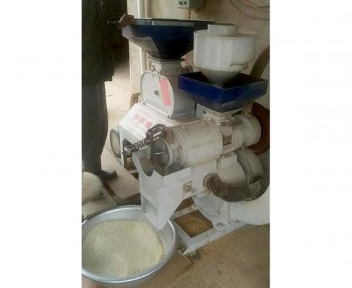 小型碾米机